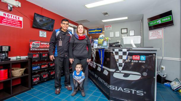 Alex Muñoz, All 4 Tires LLC